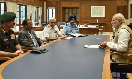 मोदी ने सेना प्रमुखों के साथ सुरक्षा स्थिति की समीक्षा की