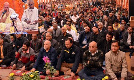 अहम छोड़े बिना समाज में एकता नहीं हो सकती : धर्मधुरंधर महाराज