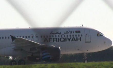लीबिया में विमान 'हाईजैक', यात्री हुए रिहा, कुछ क्रू मेंबर अभी भी विमान में