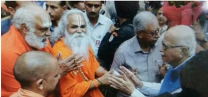 बाबरी केस में आडवाणी सहित 12 BJP नेताओं पर तय होंगे आरोप, पेशी के लिए पहुंचे कोर्ट