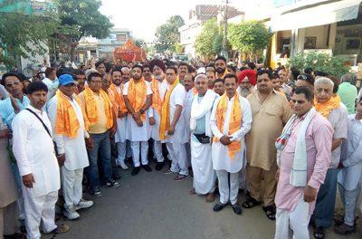 टांडा उड़मुड़ – श्री राधा कृष्ण मंदिर से शोभा यात्रा निकाली गई