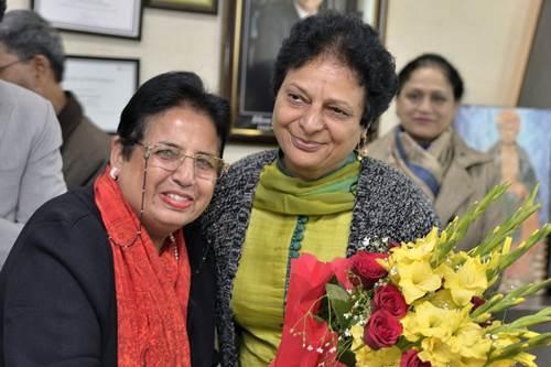 डाॅ. सुषमा आर्य ने DAV यूनिवर्सिटी के रजिस्ट्रार का पद संभाला