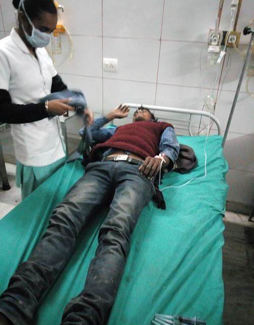 जहरीला  भोजन खाने से प्रवासी मज़दूरों की हालत बिगड़ी , अस्पताल में भर्ती