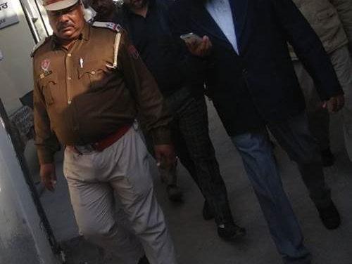 गई नौकरी मिली जेल – पूर्व बैंक अधिकारियों ने ही बैंक को लूटा ,करोड़ों रुपए की धोखाधड़ी की