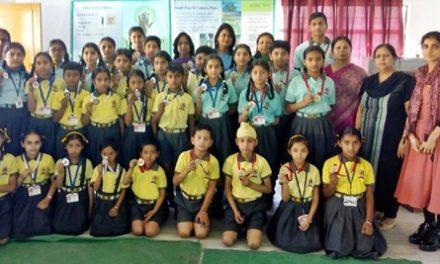 एसएवी जैन डे बोर्डिंग स्कूल में अर्थ डे  पर प्रतियोगिता आयोजित