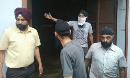 शैम्पू फैक्टरी में आग, धमाके से फटे कैमीकल के ड्रम