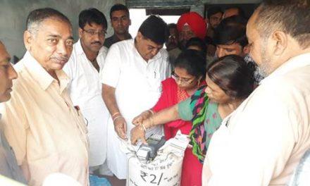 कैबिनेट मंत्री अरोड़ा ने ई-पोस मशीनों से गेहूं वितरण का किया उद्घाटन