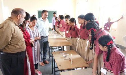 सिल्वर ओक स्कूल में आयोजित किया गया विज्ञान उत्सव