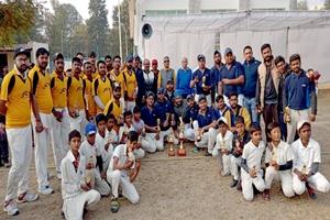 सोनालीका ने जीता श्री मनमोहन थापर टी-20 क्रिकेट टूर्नामेंट ।
