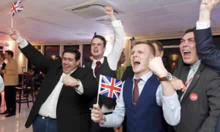 रेफरेंडम में फैसला: यूरोपियन यूनियन से अलग होगा UK, सेंसेक्स 900 प्वाइंट्स लुढ़का