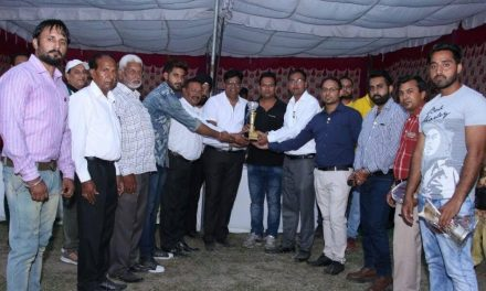 लायसं क्लब ने राष्ट्रीय क्रिकेट खिलाड़ी कुलदीप धामी को किया सम्मानित