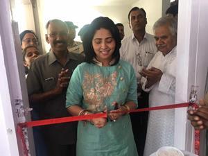 सन्त निरंकारी चेरिटेबल फाउंडेशन  रक्तदान शिविर का उद्धाटन कुमारी सौमिया (आईपीएस) ने किया।