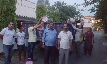 शालीमार नगर में नहीं आते सफाई कर्मी, लोग खुद कचरा उठाने को मजबूर