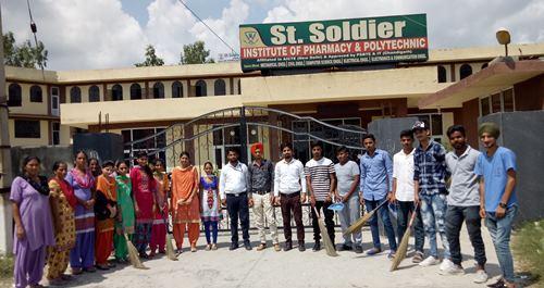 सेंट सोल्जर कालेज में विश्व  मच्छर दिवस पर जागरूकता कार्यक्रम आयोजित