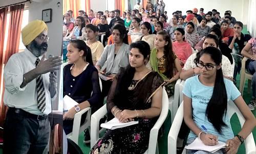 रयात बाहरा में प्रेस क्लब होशियारपुर ने करवाया सैमीनार