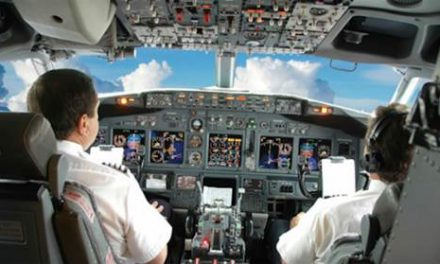 लंदन से मुंबई आ रही फ्लाइट के कॉकपिट में भिड़ गए पायलट और को-पायलट