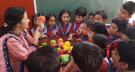 एसएवी जैन डे बोर्डिंग स्कूल में विभिन्न ज्ञानवद्र्धक गतिविधियां आयोजित
