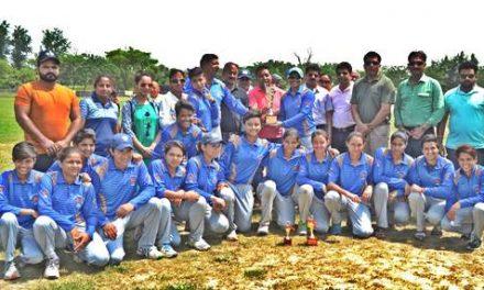 सीनियर वूमैन क्रिकेट में अमृतसर ने चंडीगढ़ को हराकर पंजाब चैंपियन बनने का गौरव प्राप्त किया