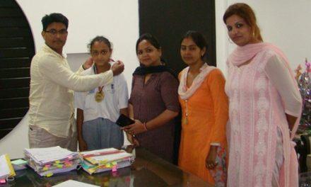 होशियारपुर की स्पेशल छात्रा रिया डडवाल ने गुजरात में गाड़े जीत के झंडे