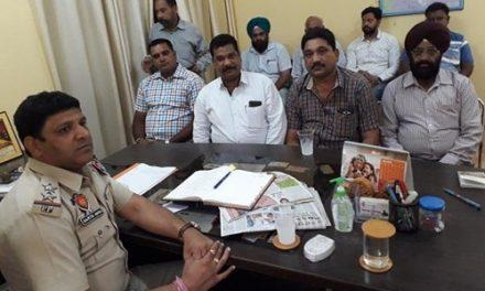 नशे से बचाव के लिए पुलिस  ने  पंचों, सरपंचों व पार्षदों  राजनीतिक दलों के नेताओं से माँगा सहयोग