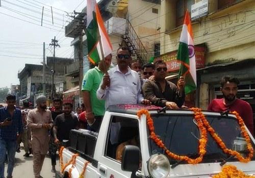 करणी सेना ने विभिन्न संस्थाओं के सहयोग से निकाली तिरंगा यात्रा, जम्मू-कश्मीर से धारा 370 हटाने की मांग