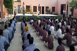 सरकारी सीनीयर सैकेंडरी स्कूल चौहाल में बच्चों को योग के प्रति किया प्रोत्साहित