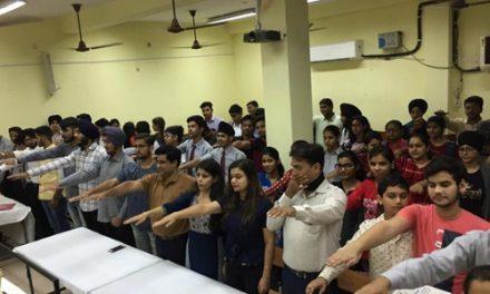 गाँधी जयंति पर बच्चों ने किया बापू को याद