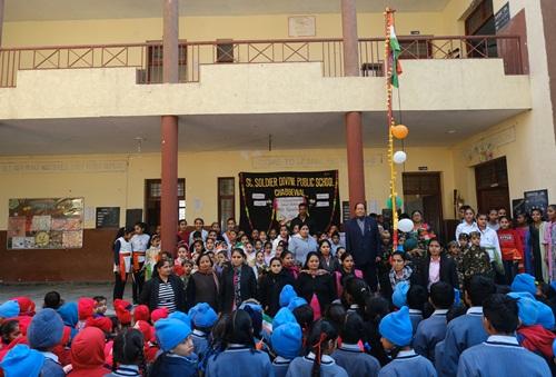 सेंट सोल्जर स्कूल में गणतंत्र दिवस मनाया गया