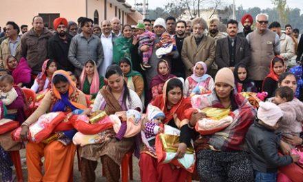 जिला प्रशासन ने गांव डाडा में 31 नव जन्मी बच्चियों की लोहड़ी डाली