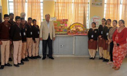सेंट सोल्जर डिवाइन पब्लिक स्कूल टांडा में विज्ञान दिवस पर प्रो. रमन को किया याद