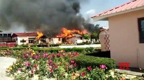 रामदेव के प्राकृतिक चिकित्सा केंद्र में लगी आग, करोड़ों का नुकसान!