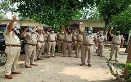 कोरोना के खिलाफ जंग में जिला पुलिस ने संभाली जागरुकता की कमान :