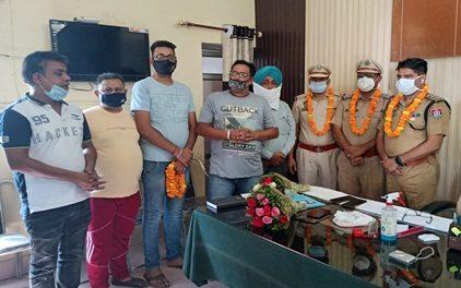 श्री बाला जी क्रांति सेना ने होशियारपुर पुलिस को किया सम्मानित