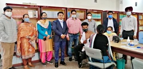 रयात बाहरा में स्वास्थ्य विभाग द्वारा दो दिवसीय कोविड -19 टीकाकरण शिविर का आयोजन किया गया